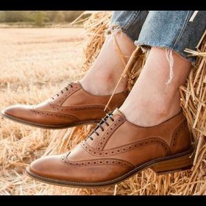 ABOUND Tan brown leather lace Oxford
